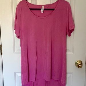 LuLaRoe Solid Classic T in Solid Pink